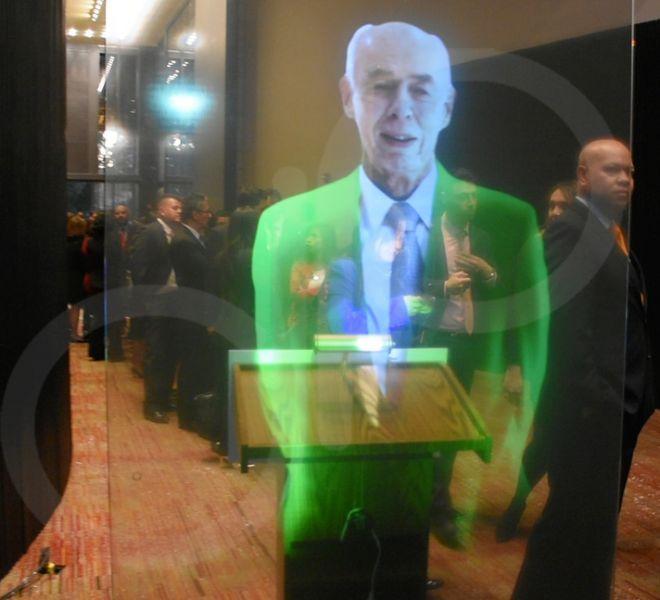 pantalla-holografica-seguros-bolivar-2