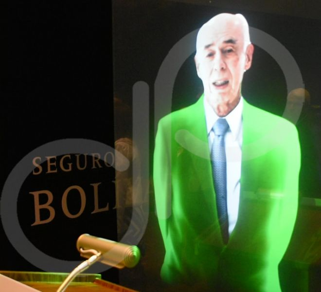 pantalla-holografica-seguros-bolivar